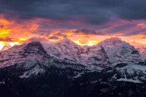 Eiger-Mönch-Jungfrau embrasés